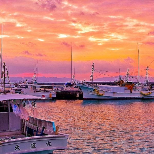―朝焼け― 沖縄県伊江村の港