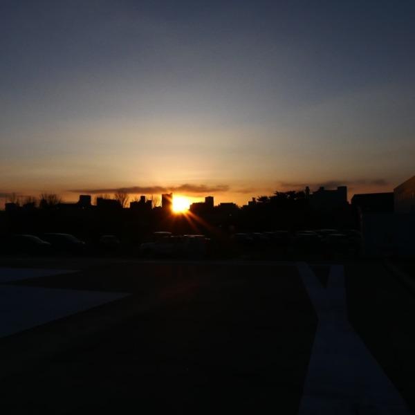 ヘリポートから見える夕陽
