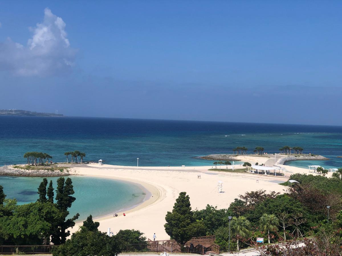 沖縄県本部町石川(モトブチョウ・イシカワ)のエメラルドビーチ