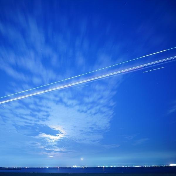 夜間飛行🆒:快適なフライトと未来への希望✨