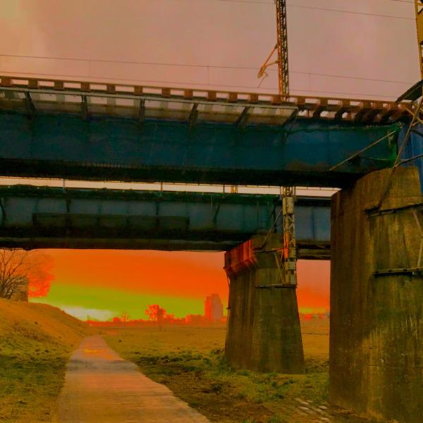 鉄橋が作り出す借景